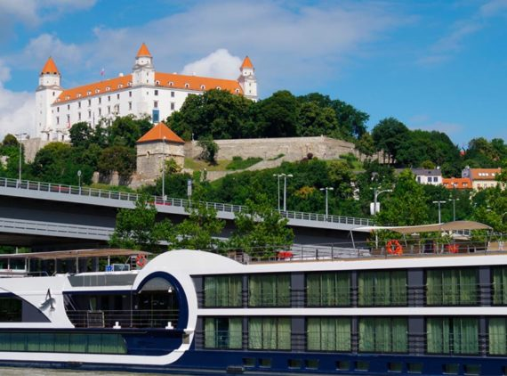 Безкоштовна вища освіта для іноземців в Словаччині